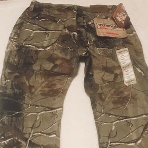97aef1b8 Wrangler Jeans - Women's Wrangler Realtree hunting camp pants jeans